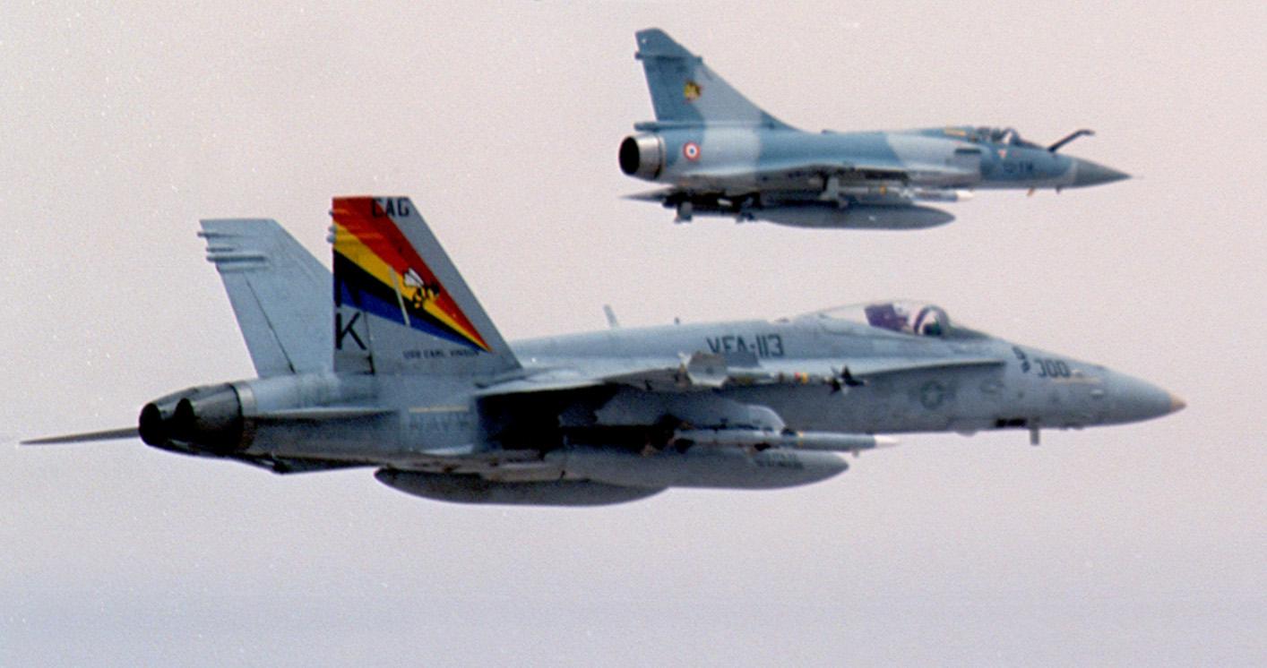 Mirage2000_and_F-18C.jpg